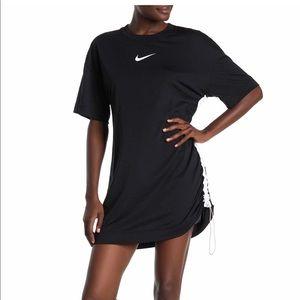 Nike short sleeve logo shirt